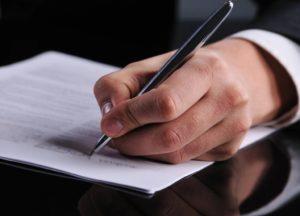 Доверительная бумага на получение или отправку груза выписывается от имени руководителя предприятия
